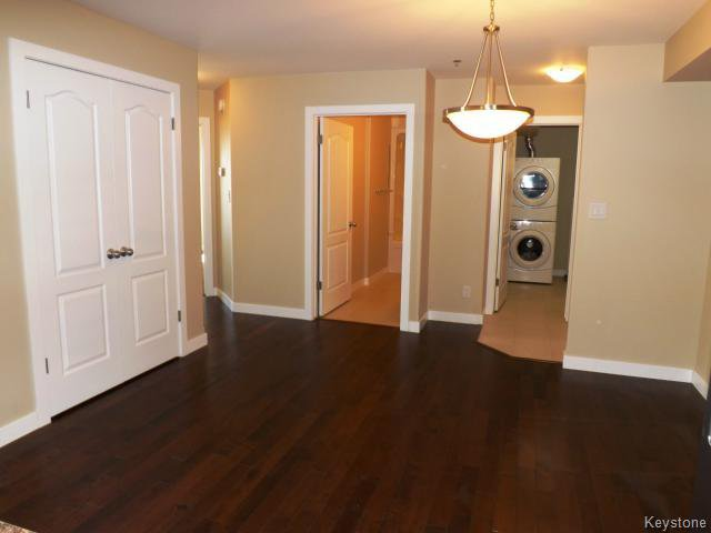 Photo 3: Photos: 700 Allegheny Drive in WINNIPEG: Fort Garry / Whyte Ridge / St Norbert Condominium for sale (South Winnipeg)  : MLS®# 1509268