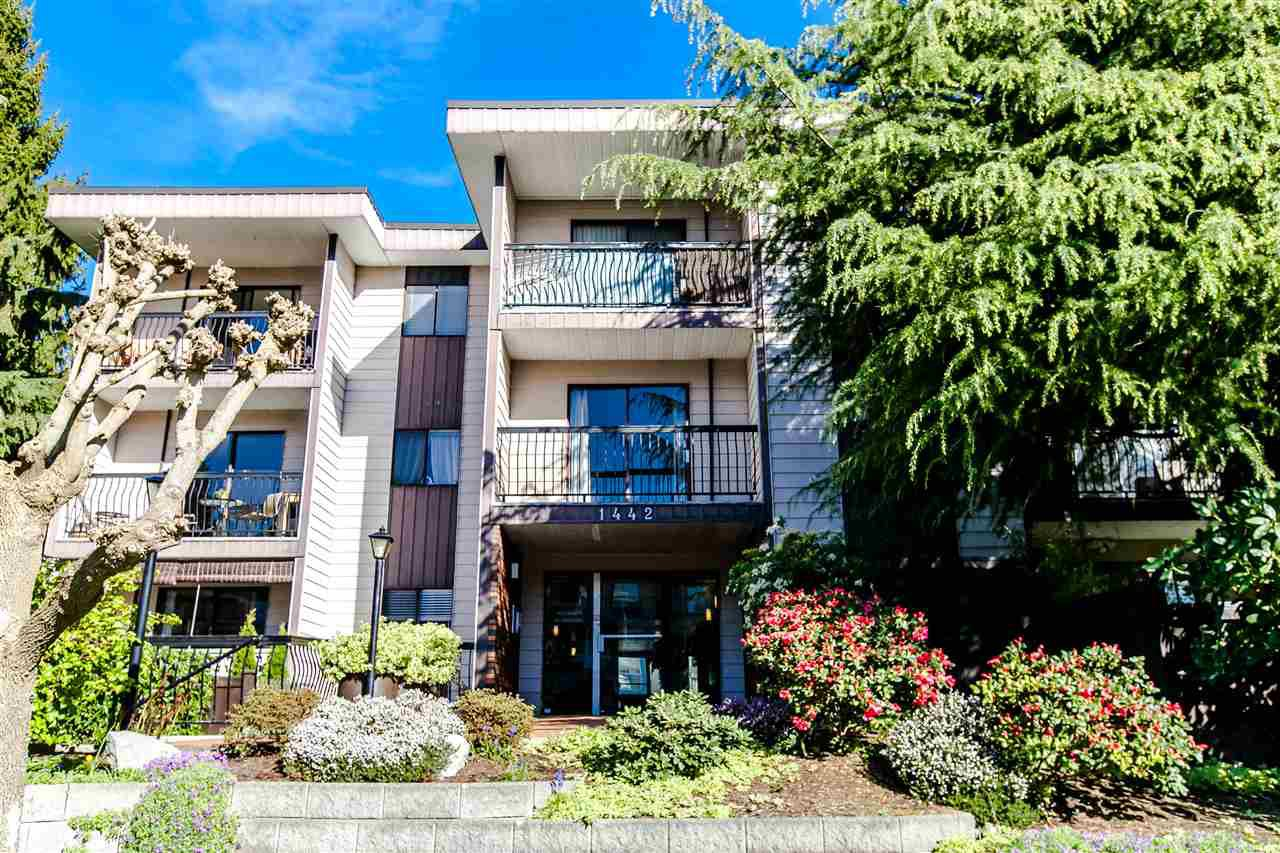 "Main Photo: 304 1442 BLACKWOOD Street: White Rock Condo for sale in ""BLACKWOOD MANOR"" (South Surrey White Rock)  : MLS®# R2052488"