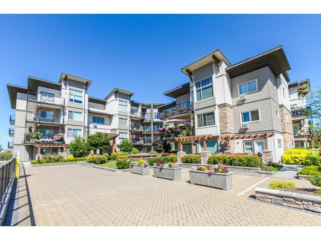 "Main Photo: 216 11935 BURNETT Street in Maple Ridge: East Central Condo for sale in ""Kensington Park"" : MLS®# R2092827"