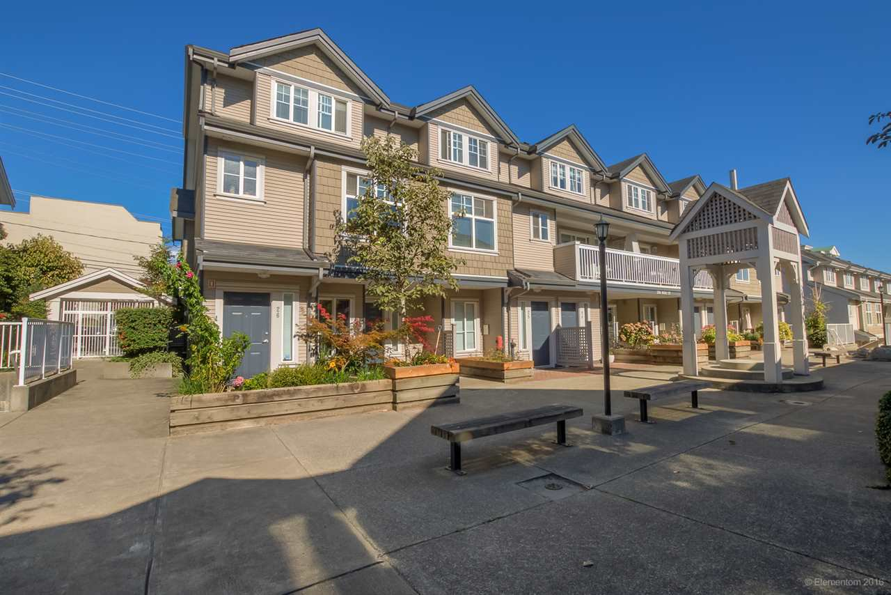 "Main Photo: 26 230 TENTH Street in New Westminster: Uptown NW Townhouse for sale in ""COBBLESTONE WALK"" : MLS®# R2107717"
