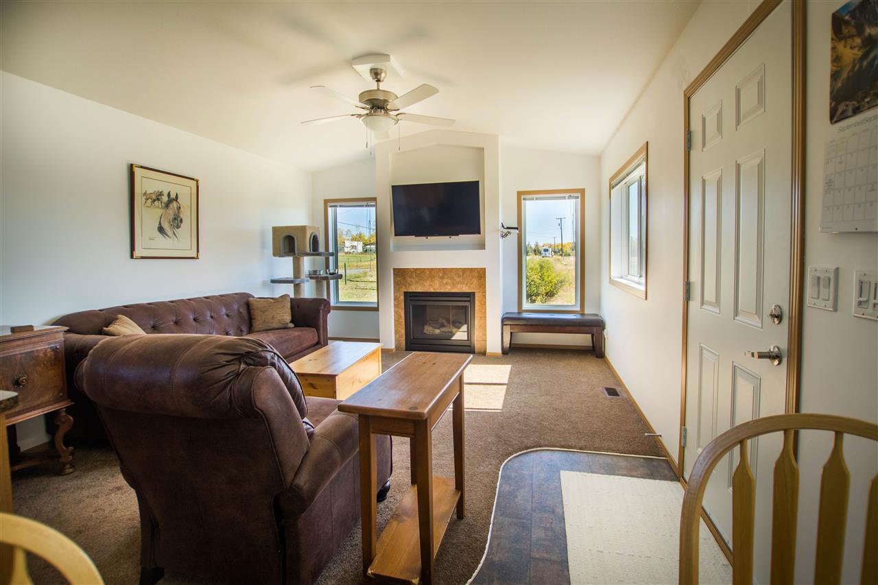 Photo 5: Photos: 2510 NORTH BONAPARTE Road: 70 Mile House Manufactured Home for sale (100 Mile House (Zone 10))  : MLS®# R2110202