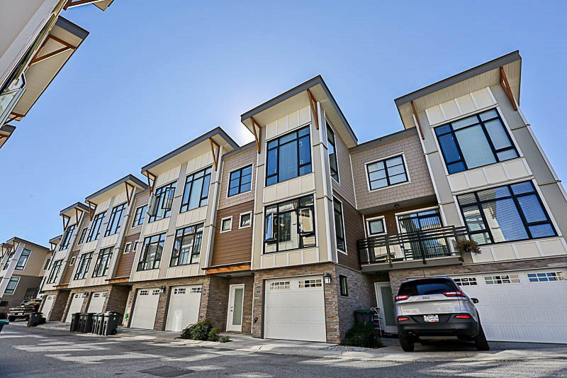 """Main Photo: 55 9989 E BARNSTON Drive in Surrey: Fraser Heights Townhouse for sale in """"HIGHCREST"""" (North Surrey)  : MLS®# R2210824"""
