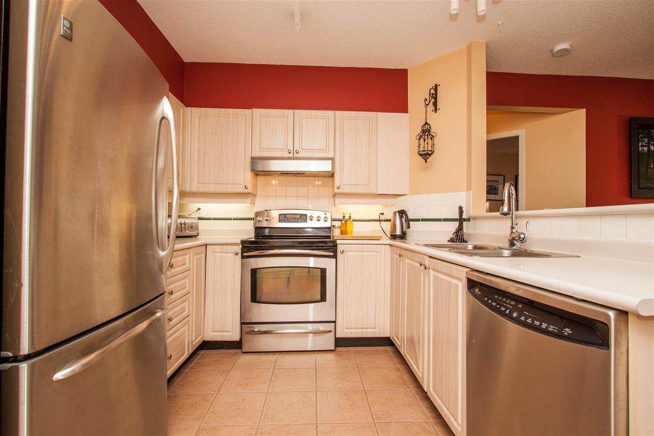 """Photo 3: Photos: 307 3625 WINDCREST Drive in North Vancouver: Roche Point Condo for sale in """"WINDSONG"""" : MLS®# R2247678"""