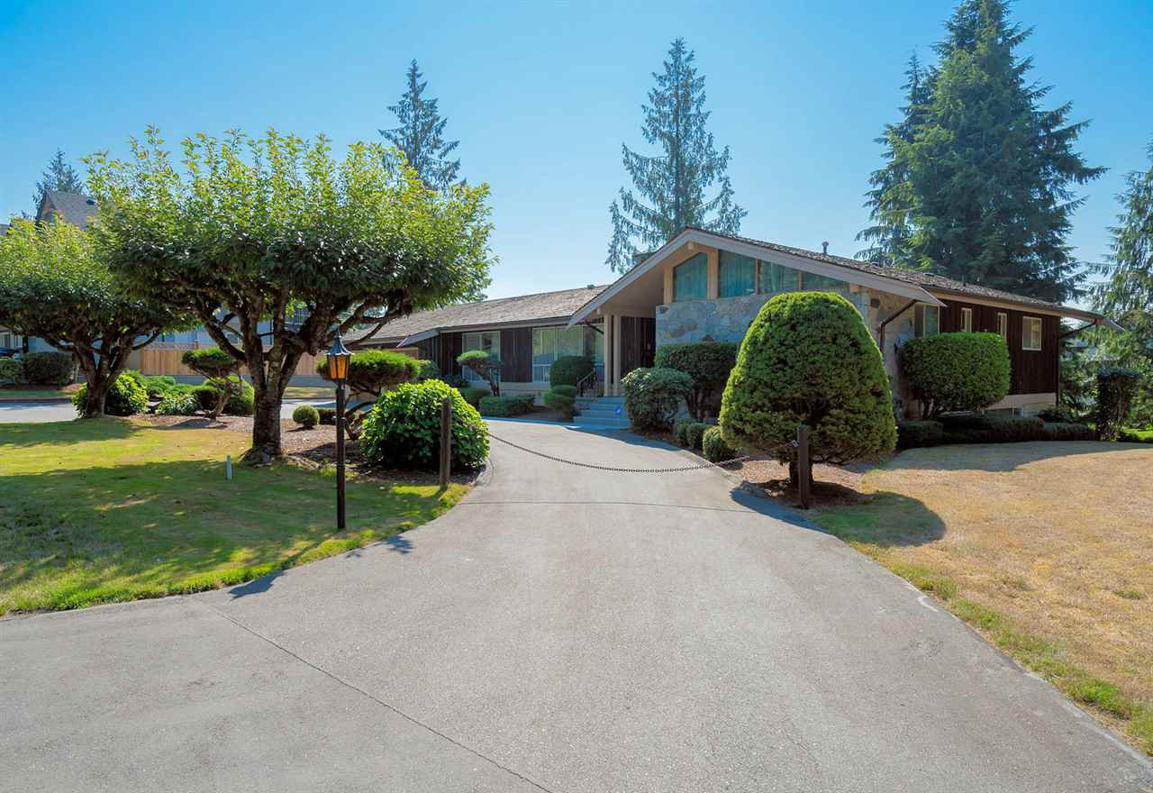 Photo 5: Photos: 31750 SILVERDALE Avenue in Mission: Mission BC House for sale : MLS®# R2325358