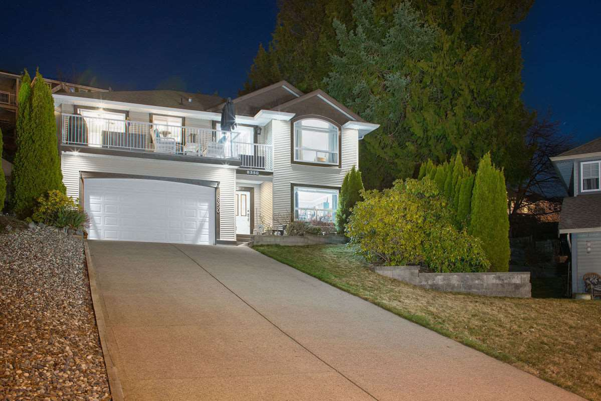 Main Photo: 8350 PEACOCK Place in Mission: Mission BC House for sale : MLS®# R2350976