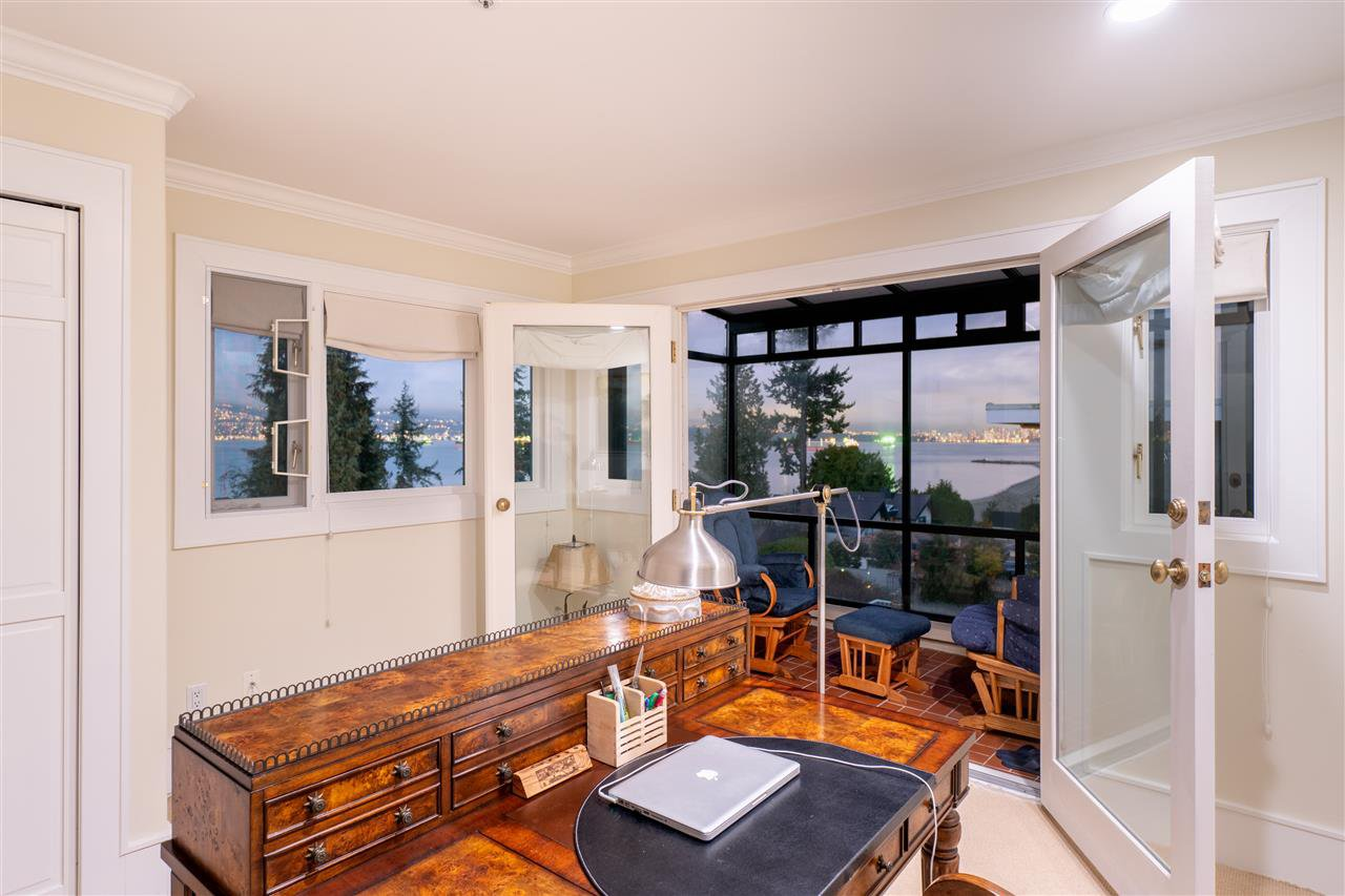 Photo 18: Photos: 4677 SIMPSON Avenue in Vancouver: Point Grey House for sale (Vancouver West)  : MLS®# R2481019