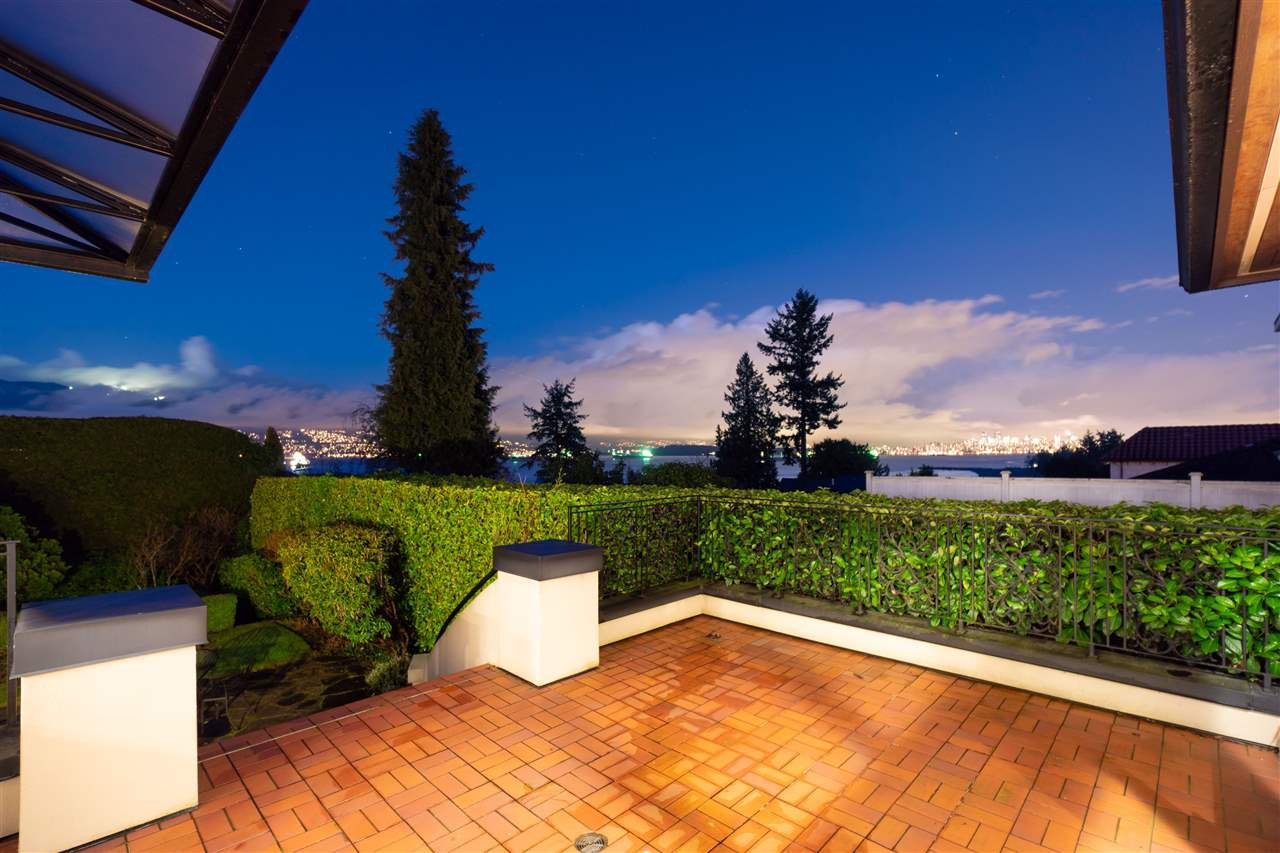 Photo 13: Photos: 4677 SIMPSON Avenue in Vancouver: Point Grey House for sale (Vancouver West)  : MLS®# R2481019