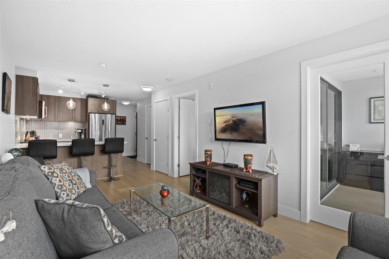 """Main Photo: 406 2477 CAROLINA Street in Vancouver: Mount Pleasant VE Condo for sale in """"MIDTOWN"""" (Vancouver East)  : MLS®# R2498794"""