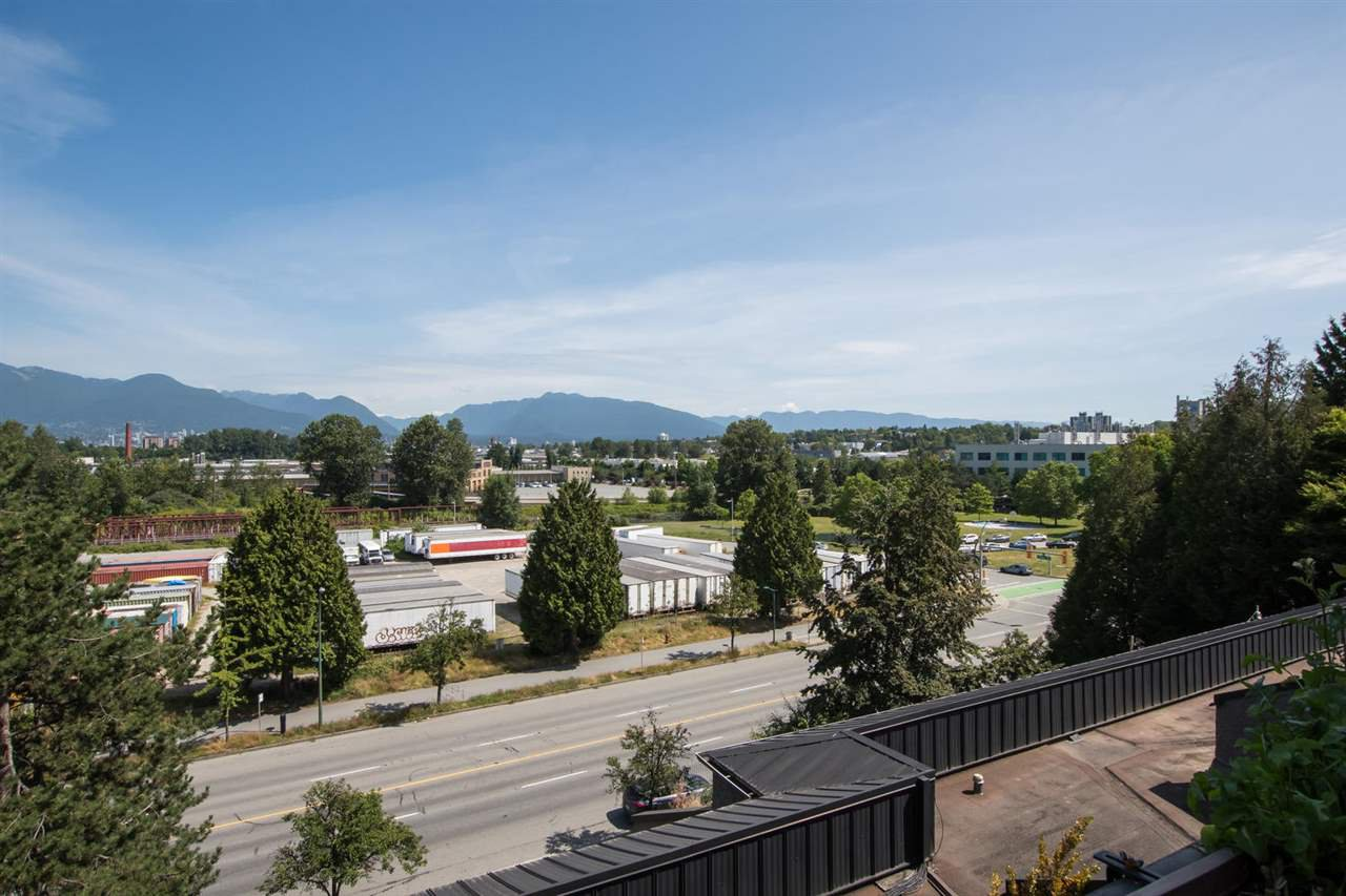 Photo 17: Photos: 718 774 GREAT NORTHERN Way in Vancouver: Mount Pleasant VE Condo for sale (Vancouver East)  : MLS®# R2510301