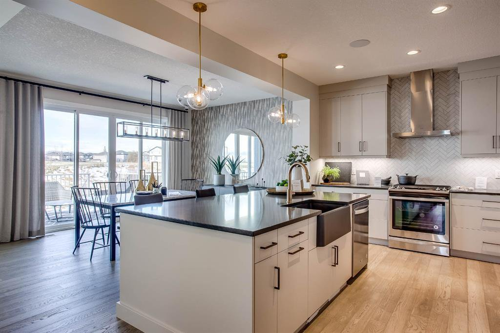 Main Photo: 69 Rockyvale Green NW in Calgary: Rocky Ridge Detached for sale : MLS®# A1045258