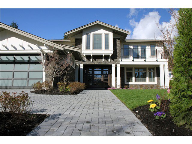 Main Photo: 950 GLENORA AV in North Vancouver: Edgemont House for sale