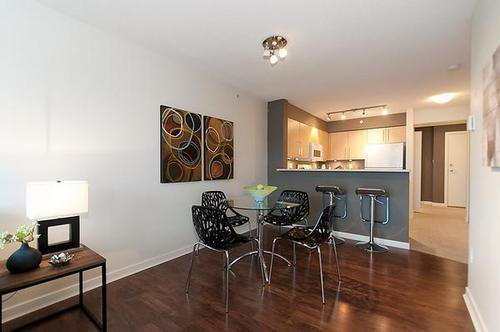 Photo 3: Photos: 322 2768 CRANBERRY Drive in Vancouver West: Kitsilano Home for sale ()  : MLS®# V940896
