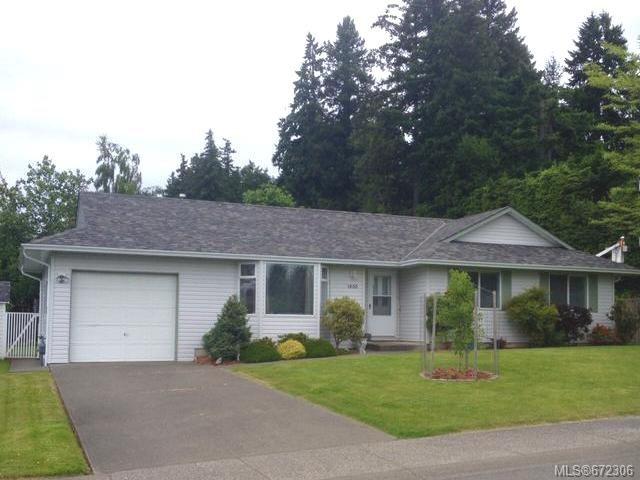 Main Photo: 1400 DOGWOOD Avenue in COMOX: CV Comox (Town of) House for sale (Comox Valley)  : MLS®# 672306