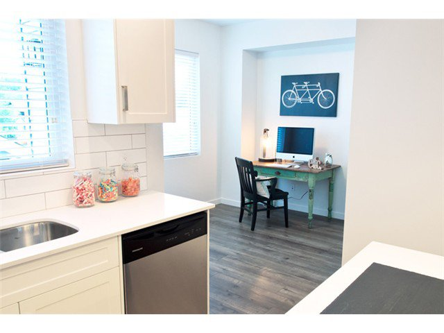 "Photo 5: Photos: 24420 102ND Avenue in Maple Ridge: Albion House for sale in ""JACKSON PARK BY OAKVALE DEV LTD"" : MLS®# V1086941"