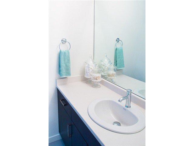 "Photo 11: Photos: 24420 102ND Avenue in Maple Ridge: Albion House for sale in ""JACKSON PARK BY OAKVALE DEV LTD"" : MLS®# V1086941"