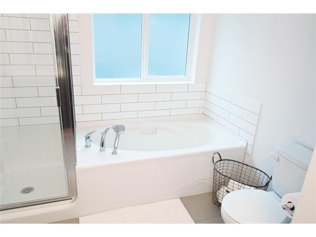 "Photo 8: Photos: 24420 102ND Avenue in Maple Ridge: Albion House for sale in ""JACKSON PARK BY OAKVALE DEV LTD"" : MLS®# V1086941"