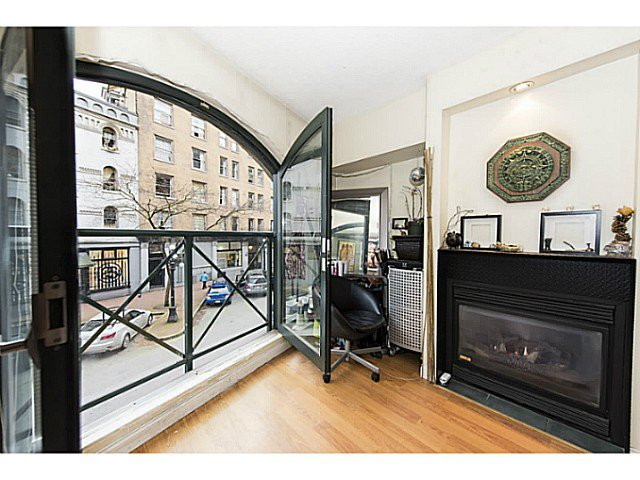 "Main Photo: 202 55 ALEXANDER Street in Vancouver: Downtown VE Condo for sale in ""55 Alexander"" (Vancouver East)  : MLS®# V1100935"