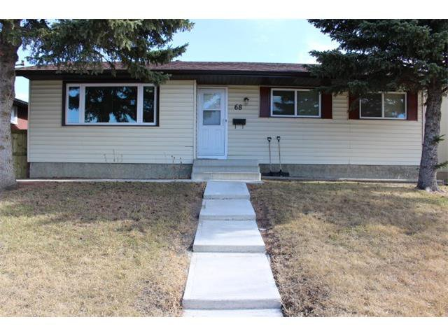 Main Photo: 68 PENSWOOD Place SE in Calgary: Penbrooke House for sale : MLS®# C4003641