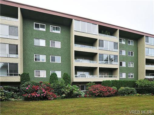 Main Photo: 101 1235 Johnson Street in VICTORIA: Vi Downtown Condo Apartment for sale (Victoria)  : MLS®# 358194