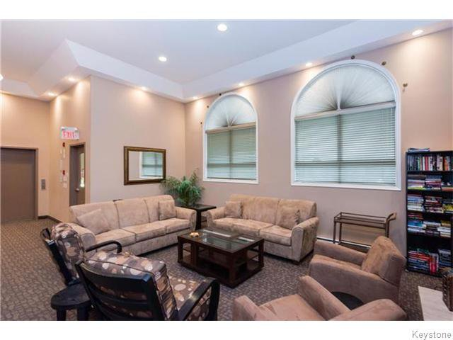 Photo 14: Photos: 93 Swindon Way in Winnipeg: River Heights / Tuxedo / Linden Woods Condominium for sale (South Winnipeg)  : MLS®# 1611920
