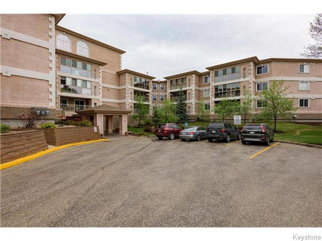 Photo 2: Photos: 93 Swindon Way in Winnipeg: River Heights / Tuxedo / Linden Woods Condominium for sale (South Winnipeg)  : MLS®# 1611920