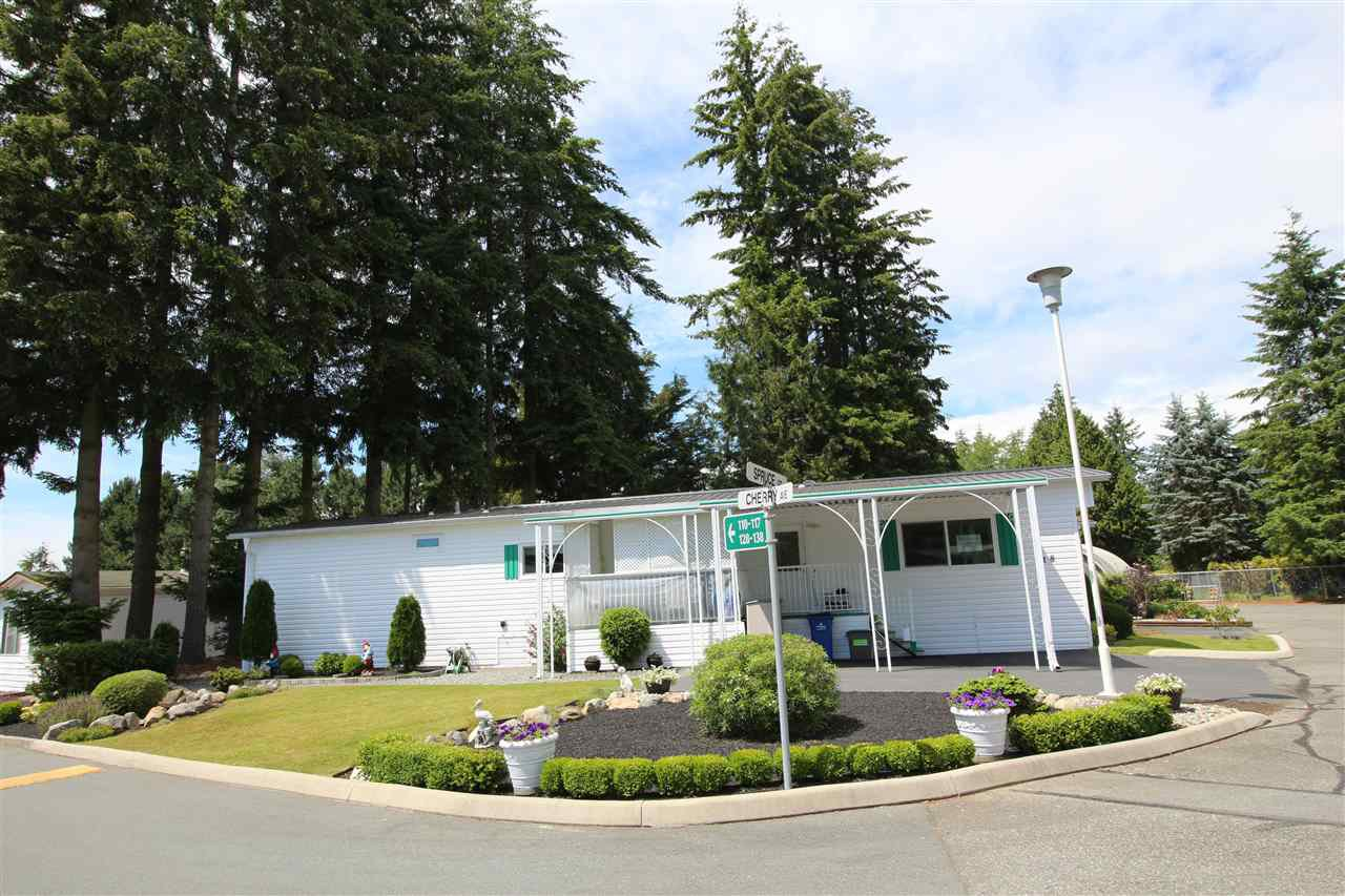 "Main Photo: 118 3665 244 Street in Langley: Otter District Manufactured Home for sale in ""Langley Grove Estates"" : MLS®# R2076936"