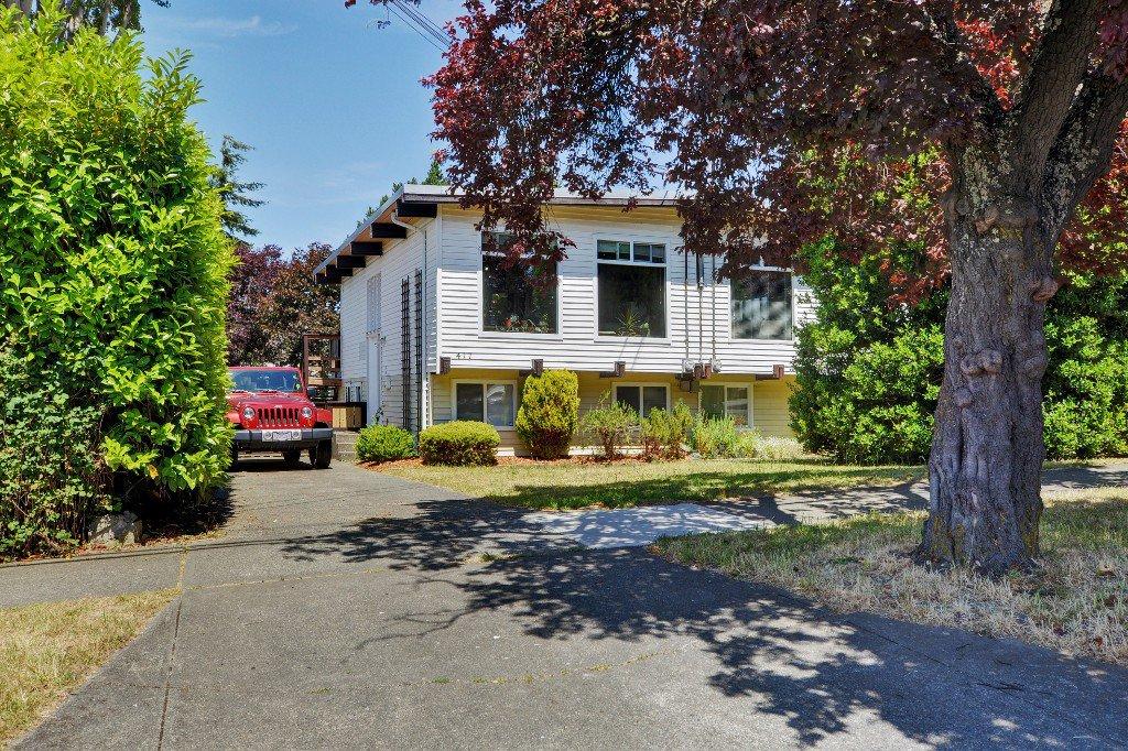 Main Photo: 417 Langford St in VICTORIA: VW Victoria West Half Duplex for sale (Victoria West)  : MLS®# 735440