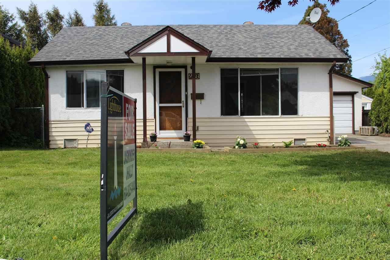 Main Photo: 9703 HARRISON Street in Chilliwack: Chilliwack N Yale-Well House for sale : MLS®# R2164299