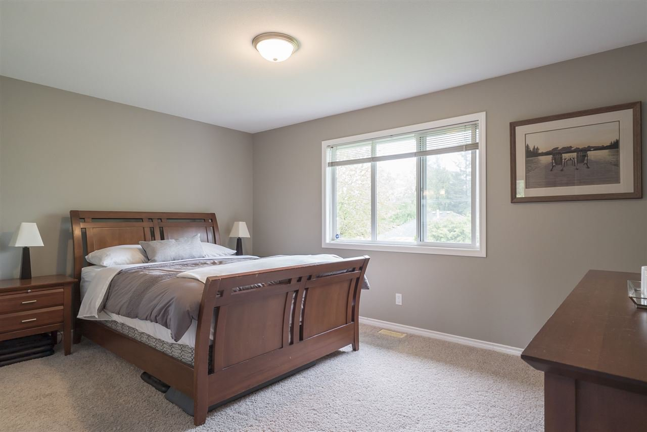 """Photo 12: Photos: 26942 24A Avenue in Langley: Aldergrove Langley House for sale in """"South Aldergrove"""" : MLS®# R2165320"""