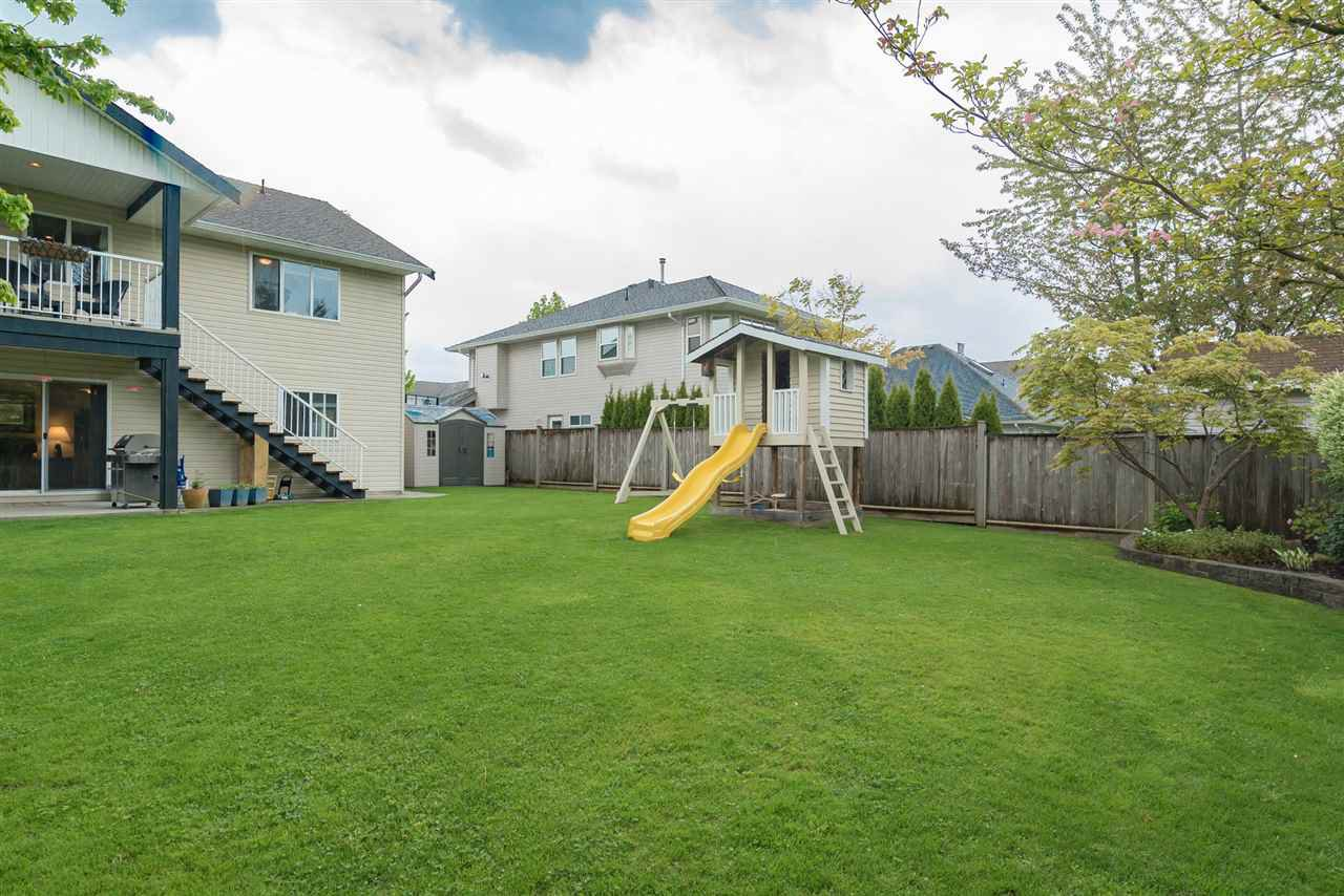 """Photo 3: Photos: 26942 24A Avenue in Langley: Aldergrove Langley House for sale in """"South Aldergrove"""" : MLS®# R2165320"""