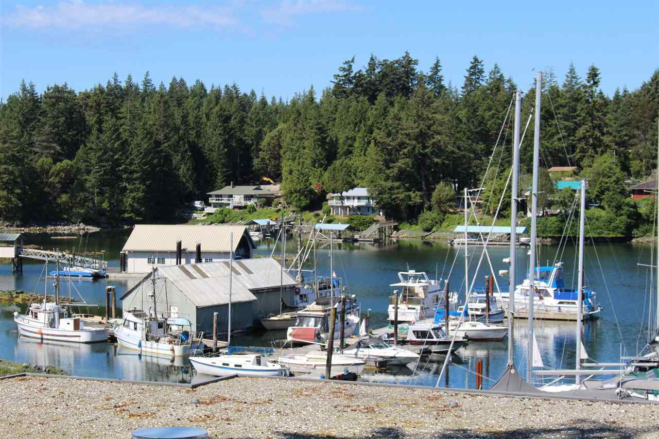 "Photo 2: Photos: 18C 12849 LAGOON Road in Pender Harbour: Pender Harbour Egmont Townhouse for sale in ""PAINTED BOAT RESORT"" (Sunshine Coast)  : MLS®# R2179381"