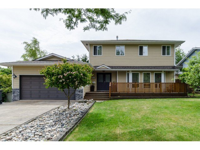 Main Photo: 15268 21A Ave in Surrey: Home for sale