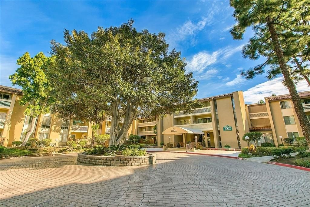 Main Photo: PACIFIC BEACH Condo for sale : 1 bedrooms : 1885 Diamond St #2-305 in San Diego