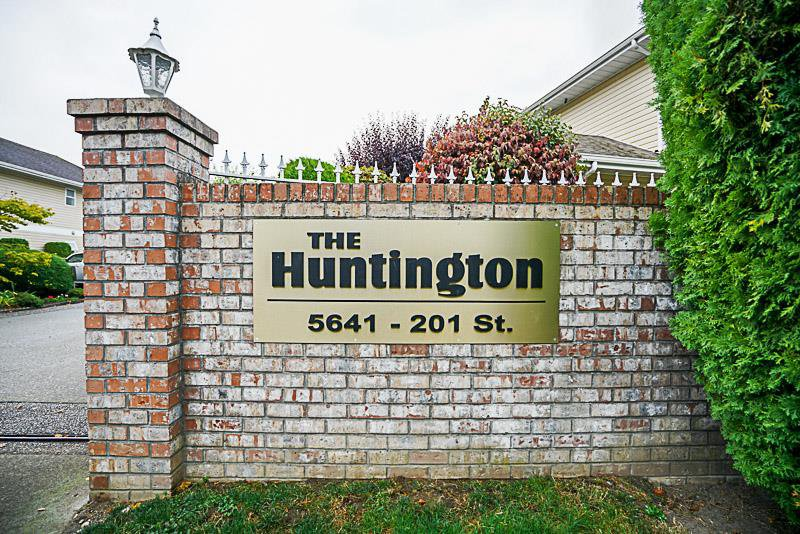 "Photo 1: Photos: 107 5641 201 Street in Langley: Langley City Townhouse for sale in ""Huntington"" : MLS®# R2222255"