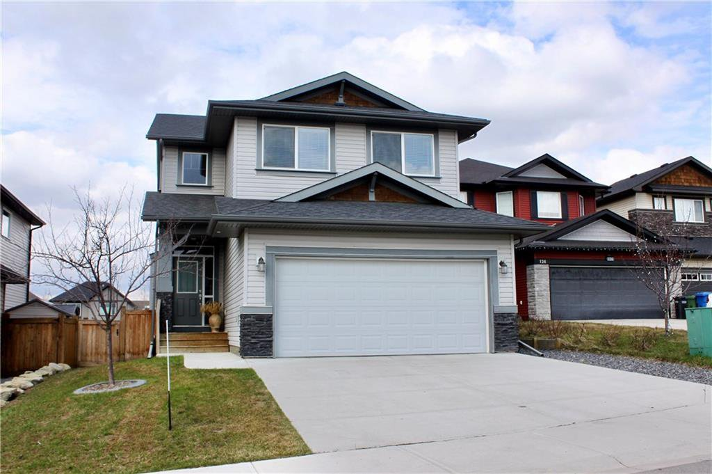 Main Photo: 128 DRAKE LANDING Green: Okotoks House for sale : MLS®# C4167961