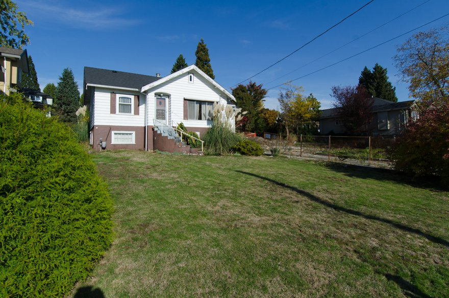 Main Photo: 935 Quadling Avenue in Coquitlam: Maillardville House for sale