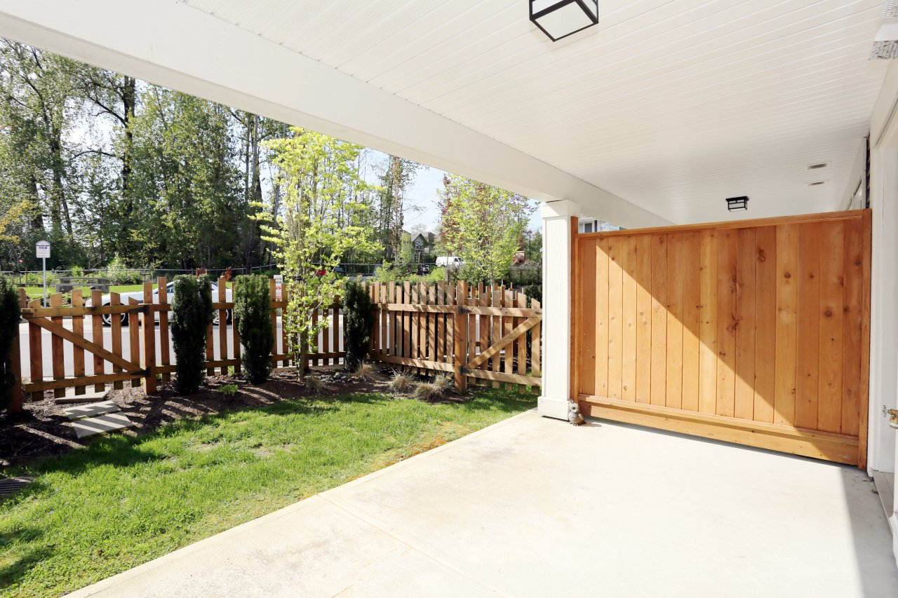 """Photo 26: Photos: 44 7059 210 Street in Langley: Willoughby Heights Townhouse for sale in """"Alder"""" : MLS®# R2263241"""