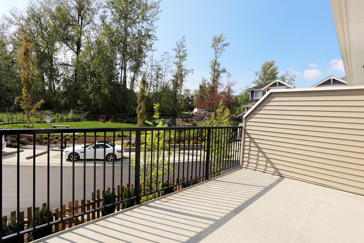"""Photo 15: Photos: 44 7059 210 Street in Langley: Willoughby Heights Townhouse for sale in """"Alder"""" : MLS®# R2263241"""