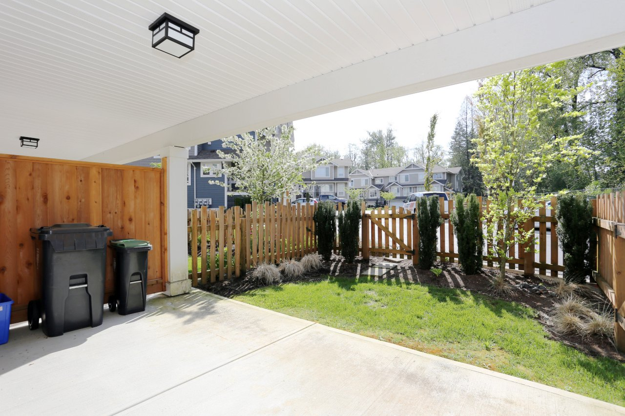 """Photo 25: Photos: 44 7059 210 Street in Langley: Willoughby Heights Townhouse for sale in """"Alder"""" : MLS®# R2263241"""