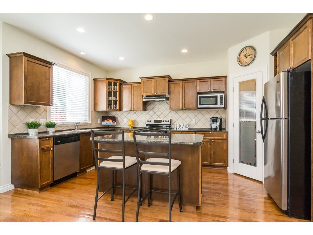"""Photo 7: Photos: 7370 201 Street in Langley: Willoughby Heights House for sale in """"JERICHO RIDGE"""" : MLS®# R2271038"""