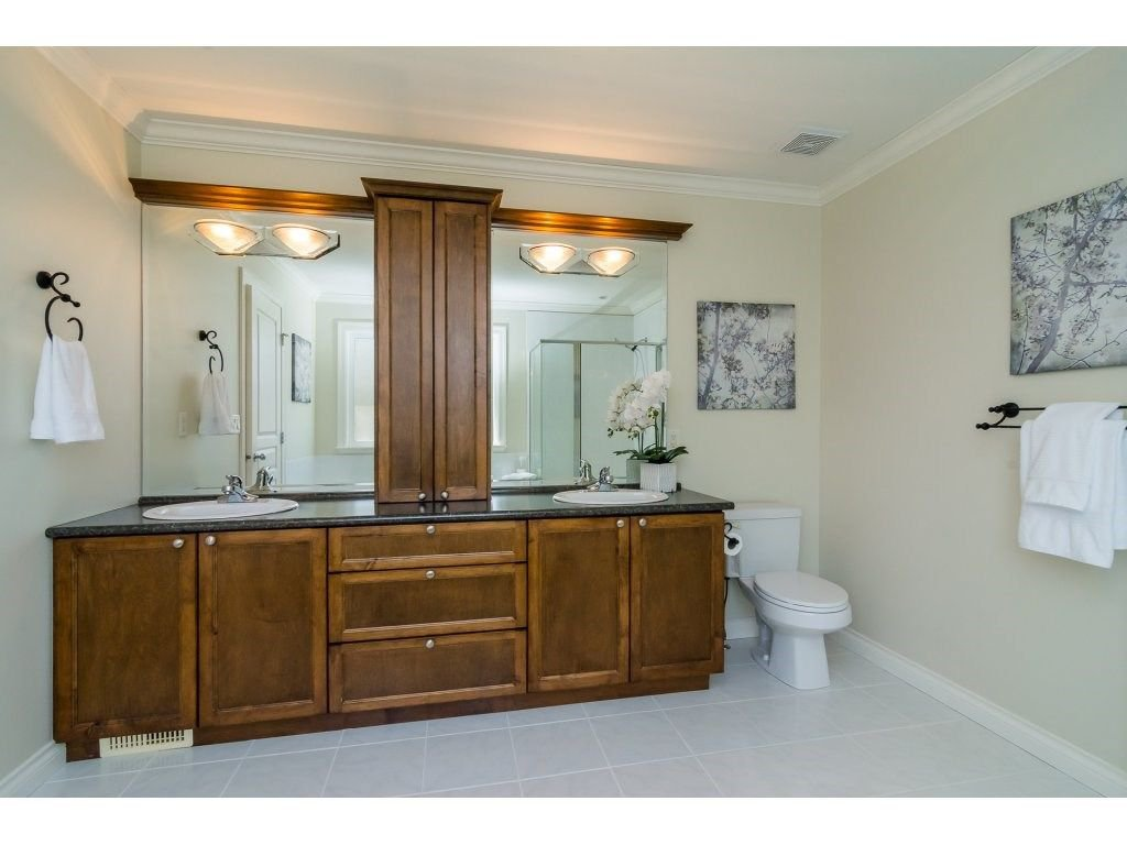 """Photo 12: Photos: 7370 201 Street in Langley: Willoughby Heights House for sale in """"JERICHO RIDGE"""" : MLS®# R2271038"""