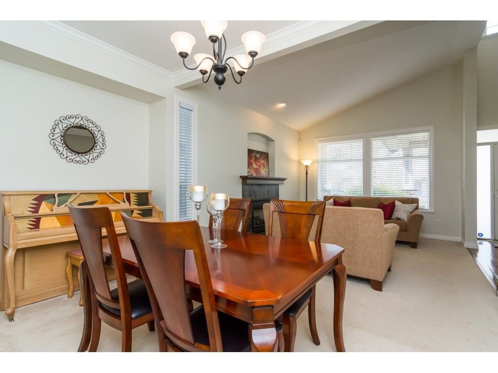 """Photo 5: Photos: 7370 201 Street in Langley: Willoughby Heights House for sale in """"JERICHO RIDGE"""" : MLS®# R2271038"""