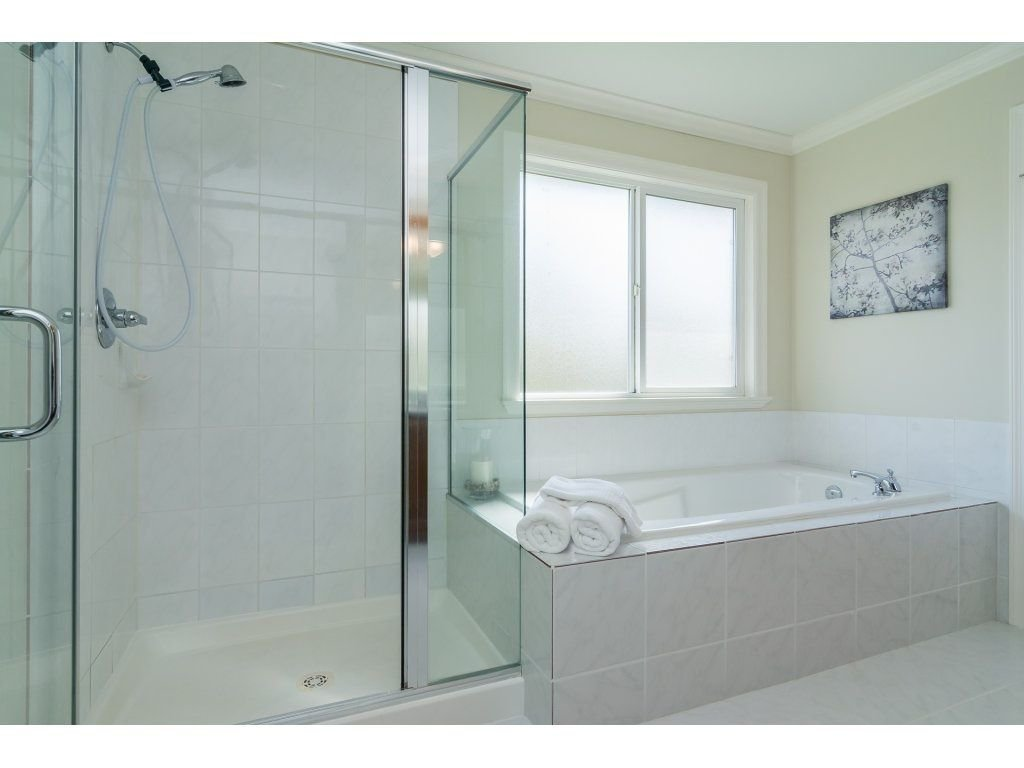 """Photo 13: Photos: 7370 201 Street in Langley: Willoughby Heights House for sale in """"JERICHO RIDGE"""" : MLS®# R2271038"""