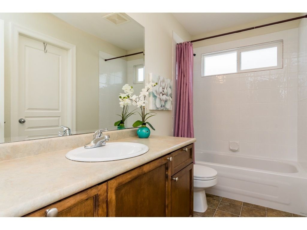 """Photo 16: Photos: 7370 201 Street in Langley: Willoughby Heights House for sale in """"JERICHO RIDGE"""" : MLS®# R2271038"""