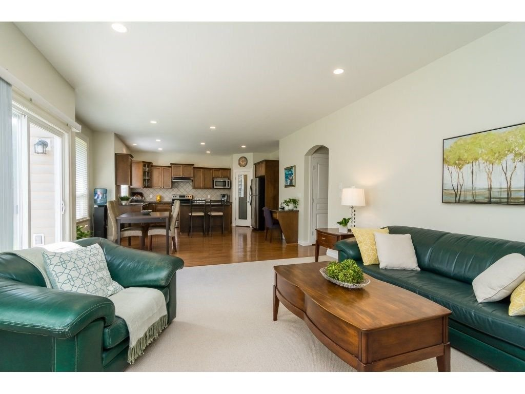 """Photo 10: Photos: 7370 201 Street in Langley: Willoughby Heights House for sale in """"JERICHO RIDGE"""" : MLS®# R2271038"""