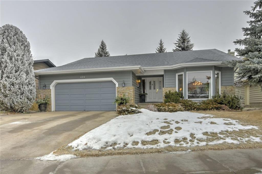Main Photo: 820 SUNCASTLE Road SE in Calgary: Sundance Detached for sale : MLS®# C4222880