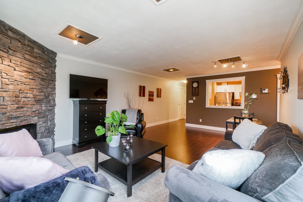 "Photo 4: Photos: 22 5661 LADNER TRUNK Road in Ladner: Hawthorne Condo for sale in ""Oak Glen Terrace"" : MLS®# R2341321"