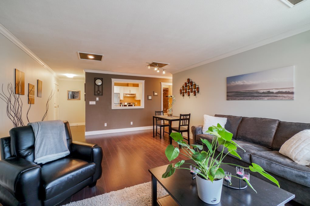 "Photo 5: Photos: 22 5661 LADNER TRUNK Road in Ladner: Hawthorne Condo for sale in ""Oak Glen Terrace"" : MLS®# R2341321"