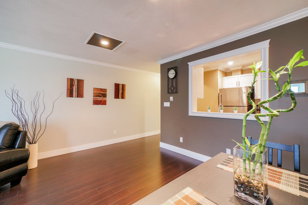 "Photo 8: Photos: 22 5661 LADNER TRUNK Road in Ladner: Hawthorne Condo for sale in ""Oak Glen Terrace"" : MLS®# R2341321"