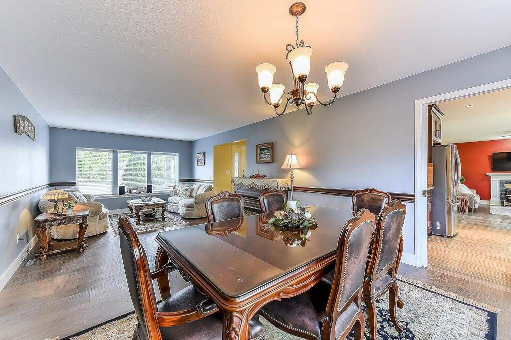 Main Photo: 7893 167A Street in Surrey: Fleetwood Tynehead House for sale : MLS®# R2401147